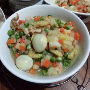 mixed-vegetables-with-quail-eggs
